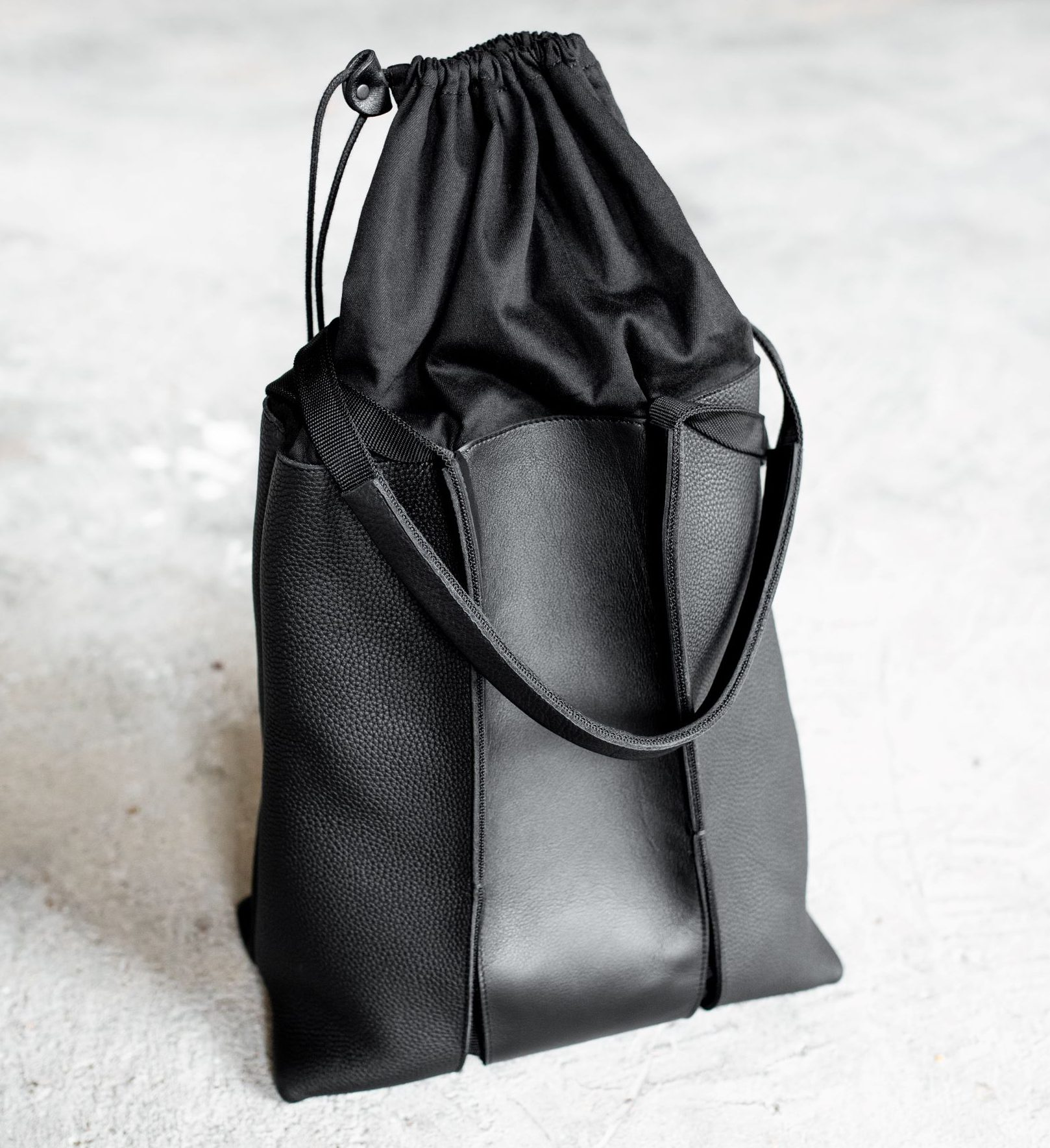 Leather shoulder bag with cotton bag lining by June9Concept