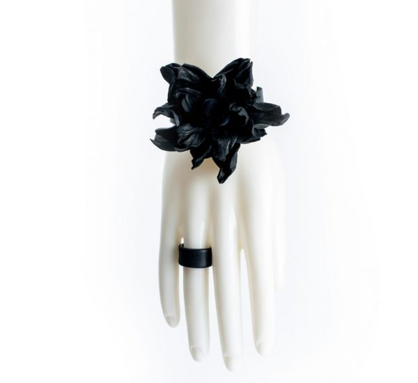 Burnt leather flower bracelet by June9Concept