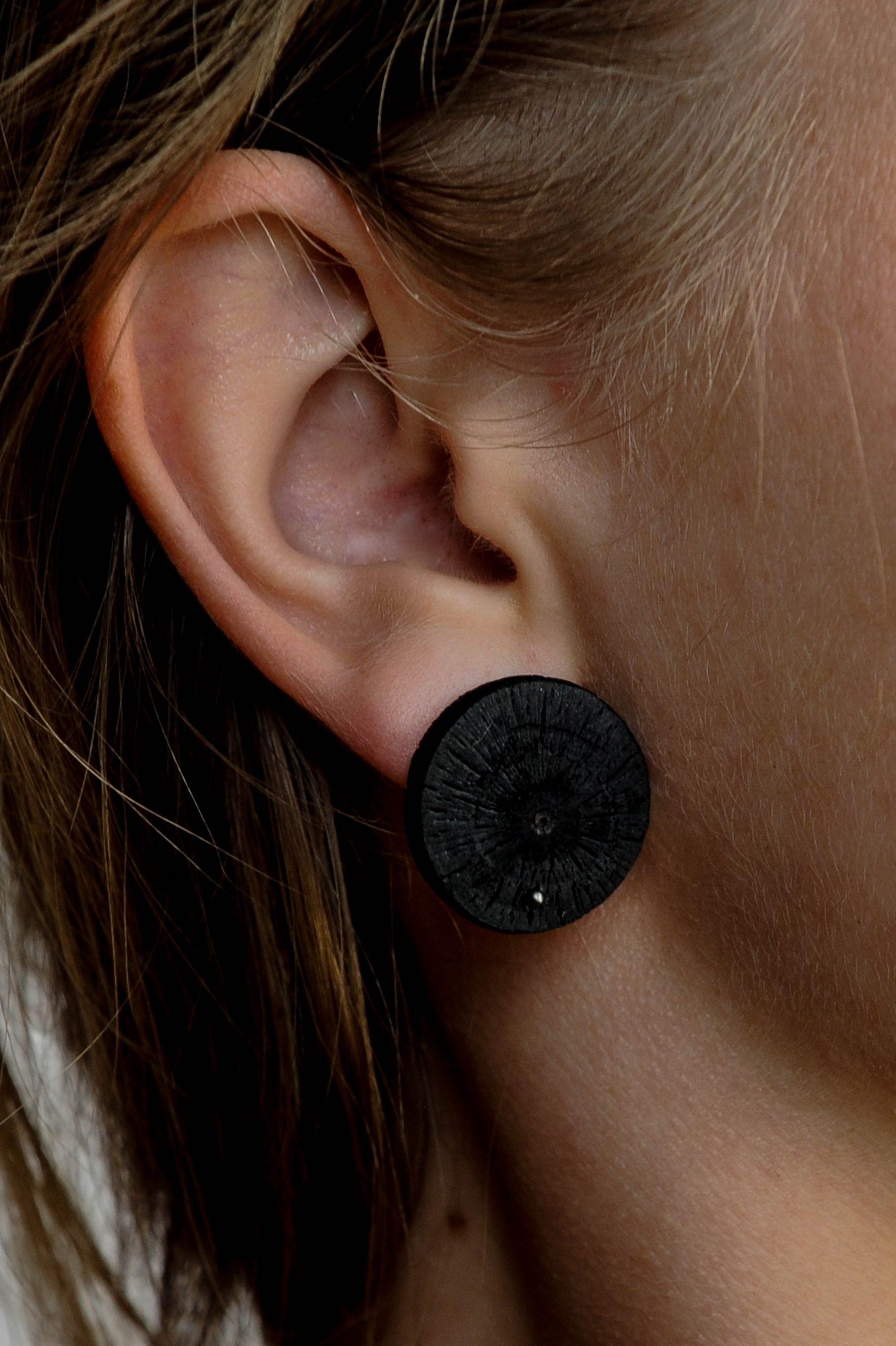 Oak charcoal earrings